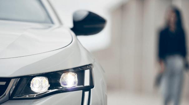 Nouvelle Peugeot 508 - phare avant gauche