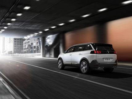 Nouveau SUV PEUGEOT 5008 GT Line : La mobilité performante et responsable