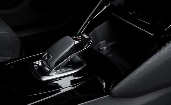 SUV électrique PEUGEOT e-2008: freinage régénératif