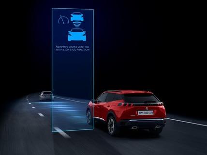 Nouveau SUV PEUGEOT 2008 pour les professionnels : technologie de conduite semi-autonome avec Régulateur de vitesse adaptatif avec fonction Stop & Go et système de maintien dans la voie