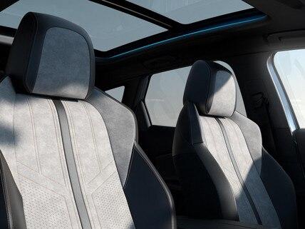 Nouveau SUV PEUGEOT 3008 HYBRID – garnissage et toit panoramique