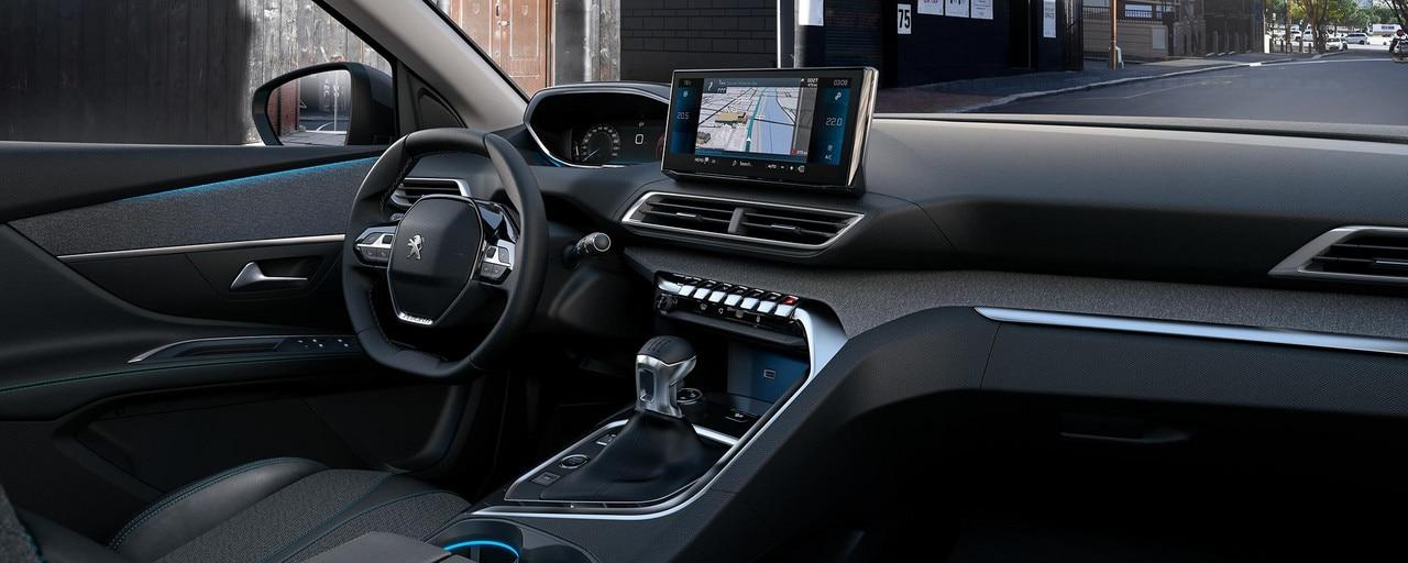 Nouveau SUV PEUGEOT 5008pour les professionnels: Peugeot i-Cockpit® modernisé avec volant compact, nouveau combiné tête haute et nouvel écran tactile capacitif
