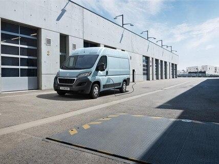 Peugeot e-Boxer