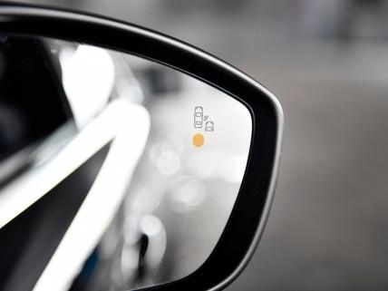 Système actif de surveillance d'angle mort - nouvelle berline PEUGEOT 508 pour les professionnels