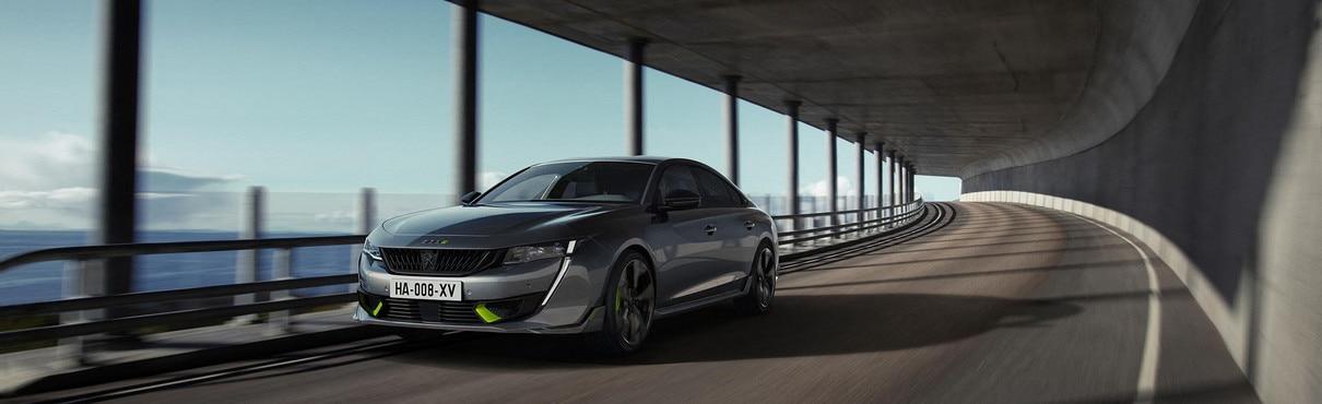 Nouvelle berline hybride haute performance 508 PEUGEOT SPORT ENGINEERED