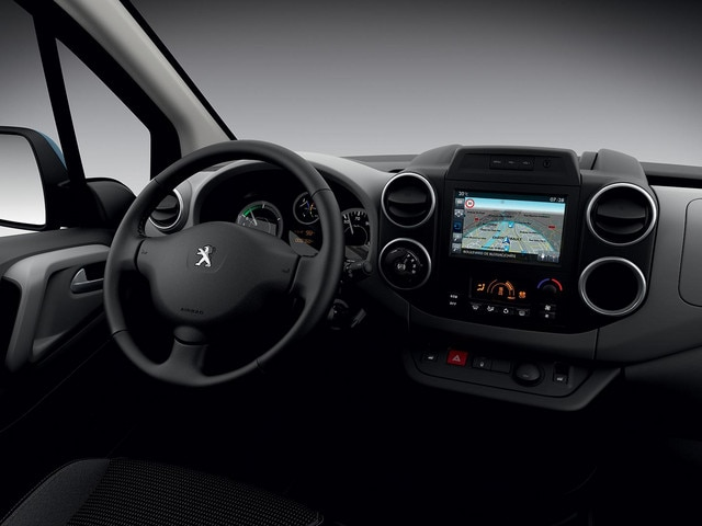 /image/83/4/peugeot-partnerelectric-homepage-03.160993.170834.jpg